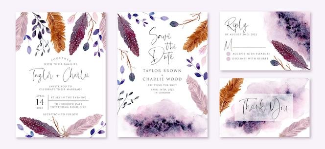 Bruiloft uitnodiging set met rustieke paarse veren en bladeren aquarel