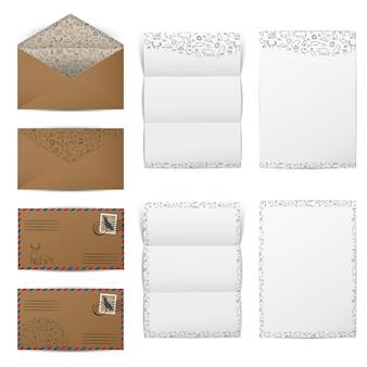 Bruine papieren enveloppen en lege witte briefpapieren