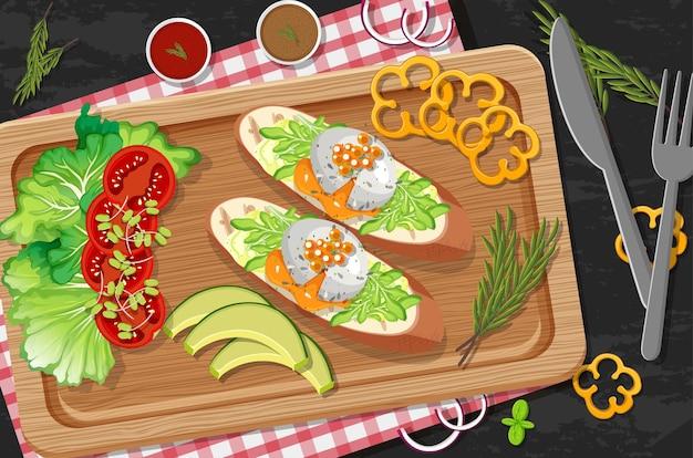 Bruschetta op houten plaat met verse groenten op tafelondergrond
