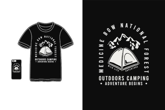 Buiten kamperen, mockup met t-shirt-merchandise-silhouet