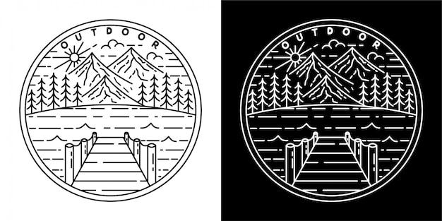 Buitenbadgeontwerp met berg en bos