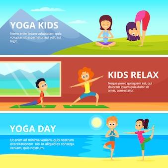 Buitenfoto's van kinderen die verschillende yoga-oefeningen maken.