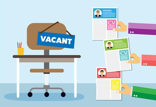 Bureaustoel en teken vacature in de hand van de baas