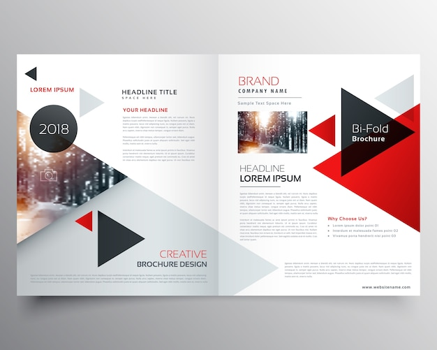 Business bifold brochure of magazine cover ontwerp sjabloon met geometrische driehoek patroon
