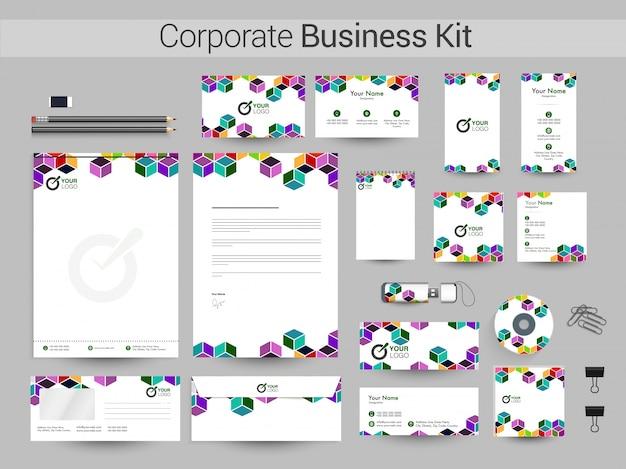 Business kit met abstracte kleurrijke kubussen.