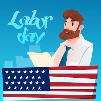 Business man hold document amerikaanse dag van de arbeid usa vakantie