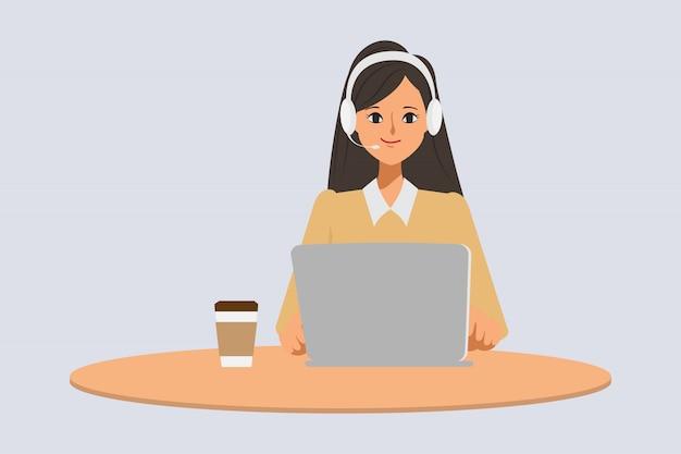 Callcenter of klantenservice van zakenmankarakter poseren met een laptop en een koptelefoon.