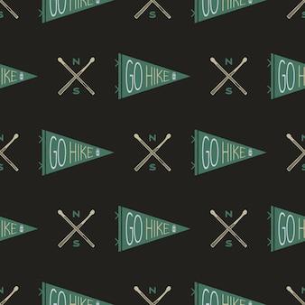 Camping naadloos patroon met wandelvlaggetjes en badge. ga wandelen tekst. wanderlust travel wallpaper achtergrond. voorraad