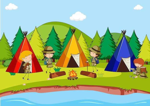 Campingscène met tenten en veel kinderen