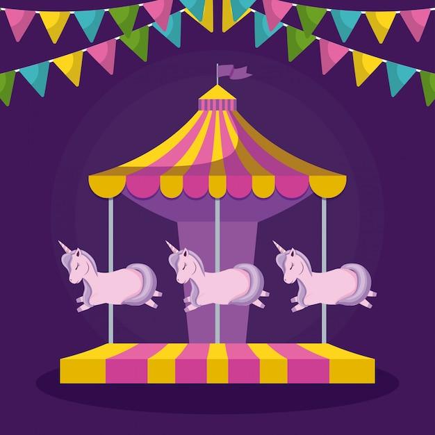Carrousel met eenhoorns en slingers opknoping
