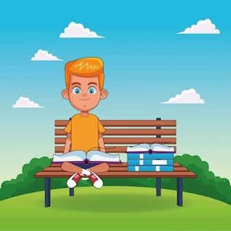 Cartoon blonde jongen lezen van een boek zittend op een bankje
