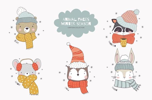 Cartoon bosdier kerstcollectie in gebreide mutsen en sjaal teddybeer wasbeer muis uil konijn