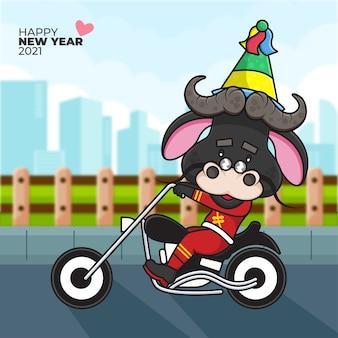 Cartoon illustratie van een os met een feestmuts rijden op een motorfiets en gelukkig nieuwjaar