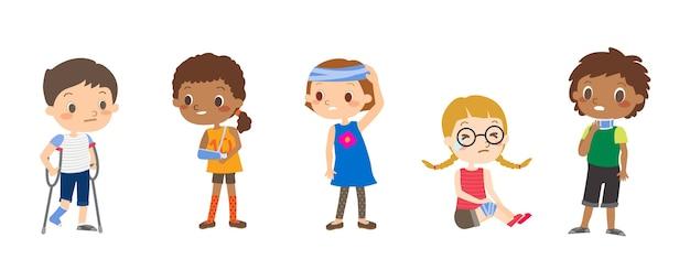 Cartoon illustraties van gewonde kinderen. kinderen karakter geïsoleerd. Premium Vector
