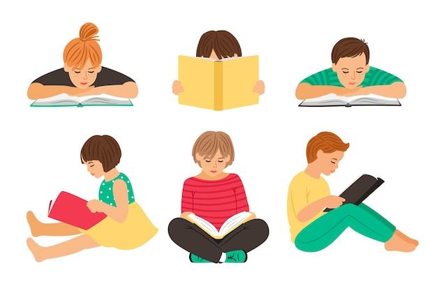 Cartoon lezen kinderen. tienersstudenten met boeken die op witte achtergrond worden geïsoleerd, leerlingen of schoolkinderen jongeren lezen clipart vectorillustratie