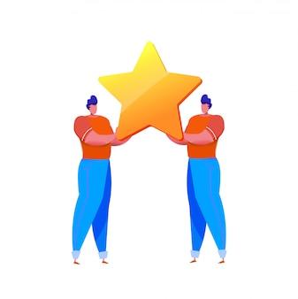 Cartoon mannen houden grote gouden ster. feedback van klanten en klanttevredenheid concept.