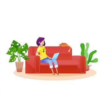 Cartoon meisje freelancer. jonge vrouw die werkt vanuit huis zittend op de bank of leren bank typen op laptop met kat thuis.