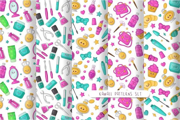 Cartoon naadloze patronen met kawaii cosmetica, lippenstift, borstel, mascara, zonnebril, boog, schoonheid meisjes accessoire
