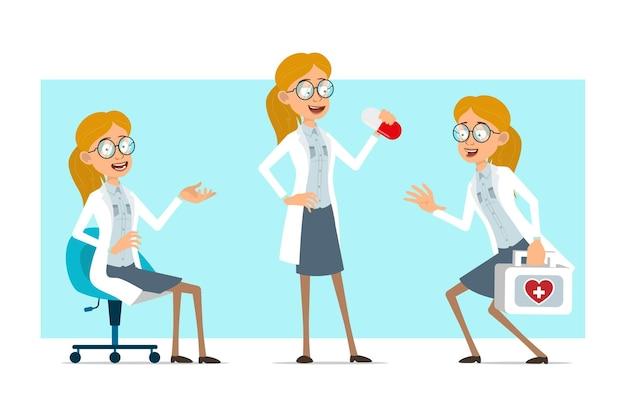 Cartoon plat grappige blonde dokter vrouw karakter in wit uniform en glazen. meisje bedrijf pil en uitvoering van medische ehbo-kit.