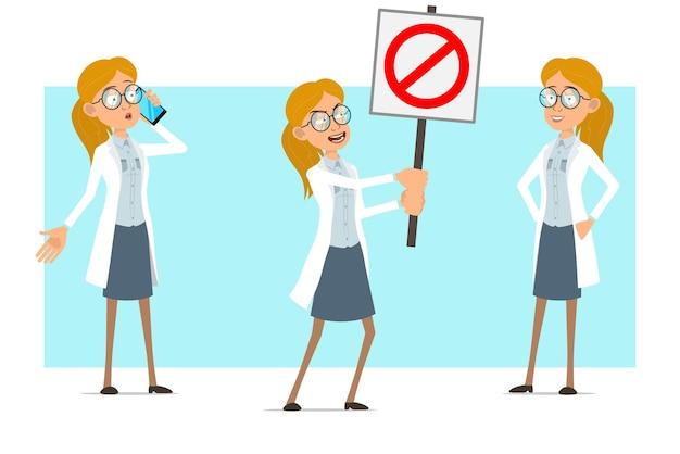 Cartoon plat grappige blonde dokter vrouw karakter in wit uniform en glazen. meisje praten over de telefoon en geen stopbord te houden.