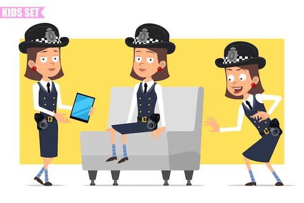Cartoon plat grappige britse politieagent meisje karakter in helm hoed en uniform. meisje sluipen, rusten en slimme tablet tonen.