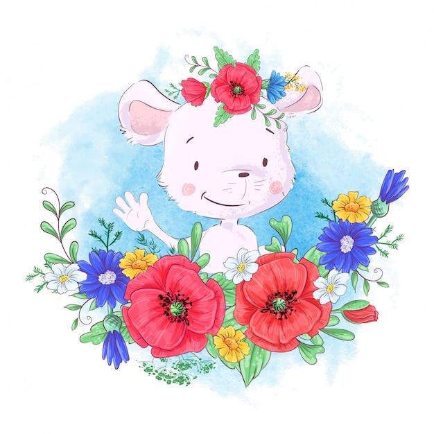 Cartoon schattige kleine muis in een krans van rode papavers en korenbloemen