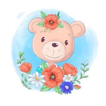 Cartoon teddybeer portret met krans van papavers hand tekenen. vector illustratie
