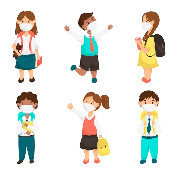 Cartoon vector set schattige kinderen, schoolkinderen met medische maskers tijdens een pandemie. lachende leerlingen meisjes en jongens met boeken en rugzakken.