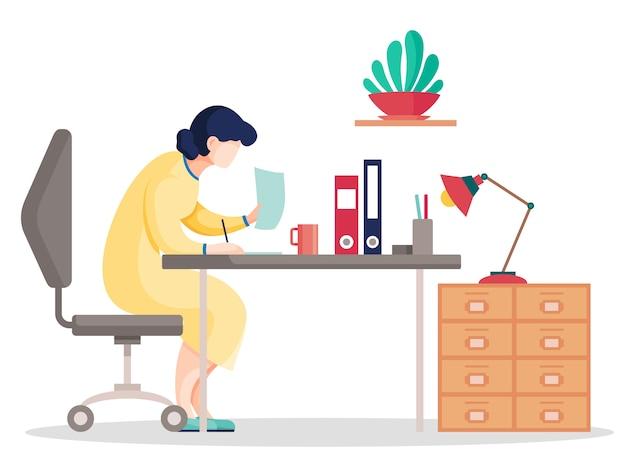 Cartoon vrouw zoekgegevens in de documenten zittend aan tafel op kantoor