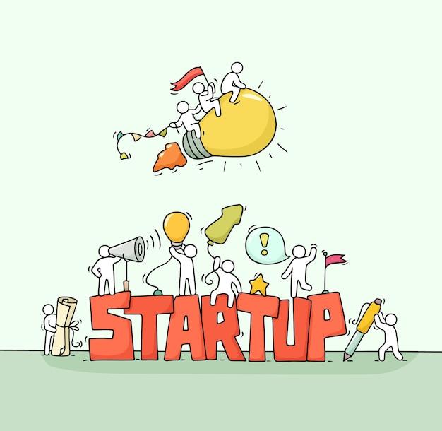 Cartoon werkende kleine mensen met woord opstarten. cartoon vectorillustratie voor zakelijke ontwerp.