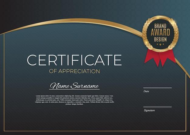 Certificaat van prestatie sjabloon set achtergrond met gouden badge en rand.
