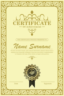 Certificaat van prestatiesjabloon in vector met toegepaste thaise lijn in geelgouden toon