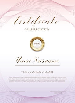 Certificaatsjabloon met gouden decoraties