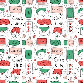 Chat tijd tekenfilm, doodle, naadloze patroon. tekstballon, bericht, emoji, brief, gadget. leuk kleurrijk ontwerp. geïsoleerd op een witte achtergrond.