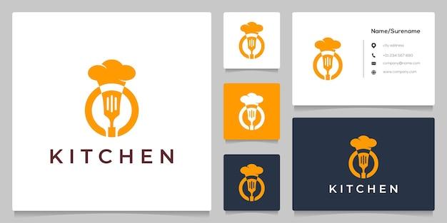 Chef hat koken en spatel keuken logo ontwerp idee