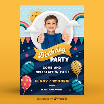 Childrens verjaardag uitnodiging sjabloon met foto