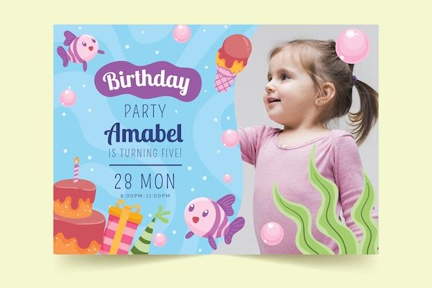 Childrens verjaardagskaart sjabloon thema