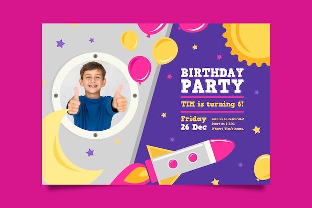 Childrens verjaardagskaart sjabloonstijl