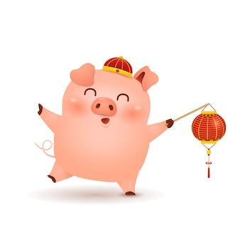 Chinees nieuwjaar. schattige kleine varken stripfiguur met feestelijke traditionele chinese rode lantaarn geïsoleerd op een witte achtergrond. het jaar van het varken. dierenriem van het varken.