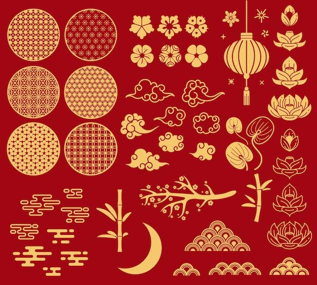 Chinese nieuwe jaarelementen die op rood worden geïsoleerd