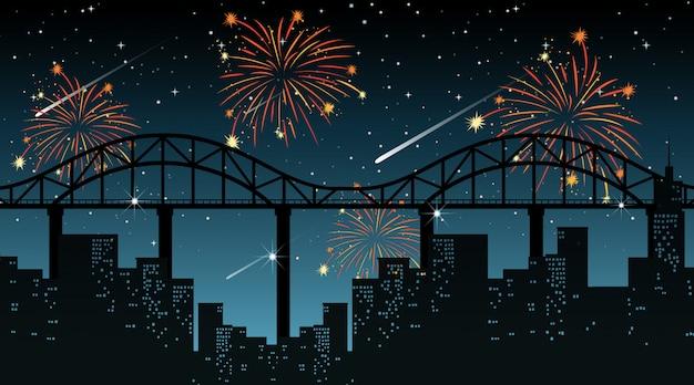 Cityscape met het vuurwerkscène van de viering