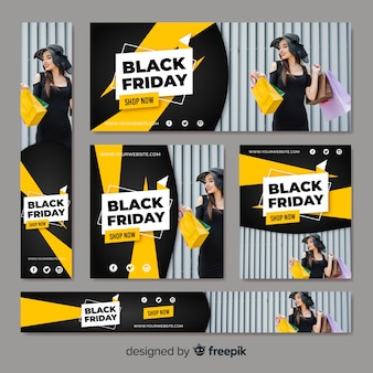 Colección de banners web de rebajas de zwarte vrijdag con mujer comprando