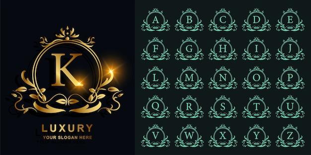 Collectie eerste alfabet met luxe sieraad of bloemen frame gouden logo sjabloon.