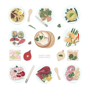 Collectie van hand getrokken kleurrijke gerechten uit de aziatische keuken geïsoleerd op een witte achtergrond. heerlijke maaltijden en snacks, traditionele gerechten uit azië - ramen noodles, dumplings, sushi. vector illustratie.