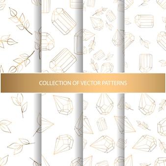 Collectie van hand getrokken naadloze patroon met florale elementen en diamanten