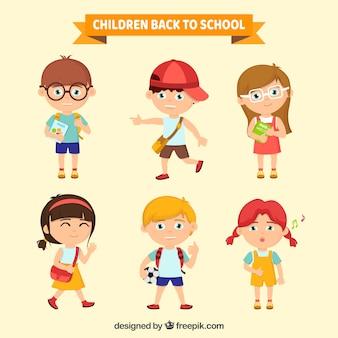 Collectie van kinderen klaar voor school