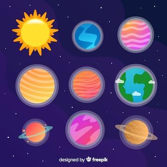 Collectie van kleurrijke hand getrokken planeten stickers