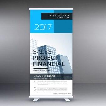 Commerciële roll up presentatie banner sjabloon in blauwe kleur