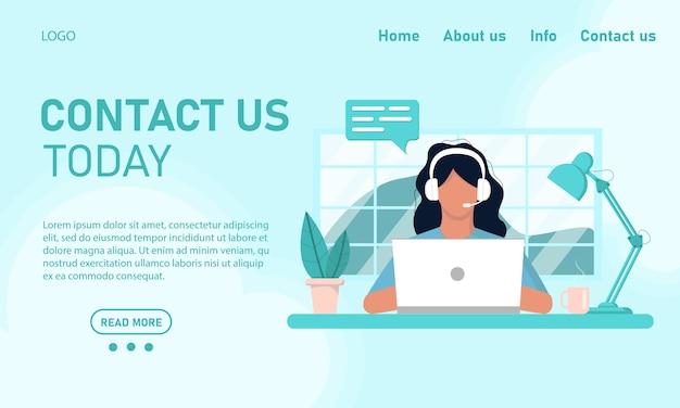 Concept sjabloon website en banner chat klantenservice klantenservice. meisje in hoofdtelefoons operator bezig met een laptop werken vanuit kantoor aan huis, online training. vlakke stijl