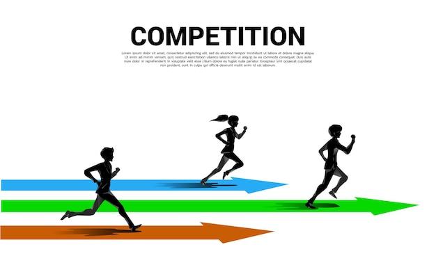 Concurrentie van silhouet van zakenman en zakenvrouw die met pijl loopt. bedrijfsconcept voor concurrentie
